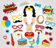 Superhéroe cumpleaños Photo Booth Props por RainbowMonkeyArt Más
