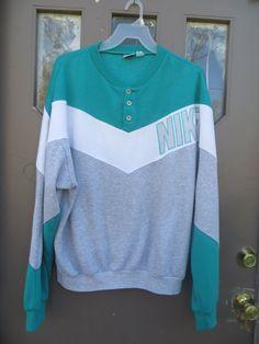 Nike  Sweatshirt 80s Retro CHEVRON Striped by Linsvintageboutique