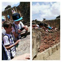 #primariasekelcastillo  @institucionsek 5EP observa hasta la huella de un niño romano