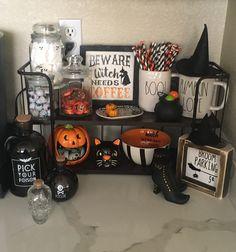 Farmhouse Halloween, Halloween Kitchen, Halloween Home Decor, Diy Halloween Decorations, Halloween House, Holidays Halloween, Halloween Crafts, Happy Halloween, Halloween Party