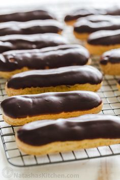 Classic eclair recipe - You haven't enjoyed an Eclair until you've tried a fresh homemade eclair! Learn how to make Eclairs with choux pastry, pastry cream and chocolate ganache How To Make Eclairs, How To Make Pastry, Desserts Français, Dessert Recipes, Plated Desserts, French Desserts, Classic Eclair Recipe, Easy Eclair Recipe, Pastry Recipes