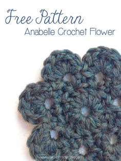 Free Crochet Pattern Motif Flower: Anabelle. Tutorial with step-by-step instructions to make this little flower.  http://www.deuxbrinsdemaille.com/2013/09/27/free-crochet-flower-pattern/