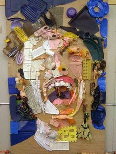Tom Deininger - Artist Tom Deininger has created vivid portraits using discarded junk. Whether Deininger ran out of paint that day or he was just feeling extremely. Sculpture Lessons, Recycled Art Projects, Trash Art, Found Object Art, A Level Art, Junk Art, Ap Art, Assemblage Art, Environmental Art