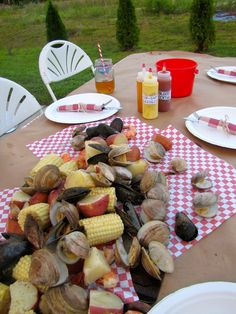 ChowGals: Low Country Boil - Part 2 - The Main Event -- Seafood and Sauces