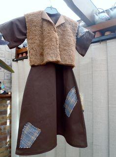 Robe et blouson thème la petite fille aux allumettes pour Eva.