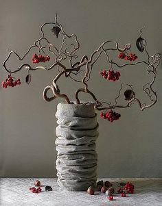 Corylus-avelana-contorta--ikebana