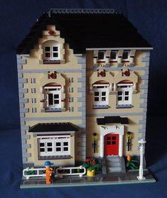 Lego Modular Town House #townhouse #brickadelics #lego #moc #modular http://ift.tt/1AYEmkp