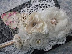 DIY: Flores de tecidos vintage, shabby chic. ♡