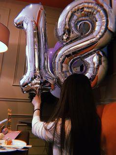 18th Birthday Party Themes, Happy Birthday 18th, Girl Birthday, Summer Nature Photography, Horse Girl Photography, Cute Birthday Pictures, Birthday Party Photography, Happy Birthday Wallpaper, Creative Instagram Photo Ideas