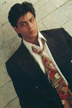 Embedded image permalink-This man is my role model. This man is the one I look up to. This man is the one I am a fan of Shah Rukh Khan. Shahrukh Khan Family, Shahrukh Khan And Kajol, Bollywood Theme, Bollywood Stars, Abram Khan, Kuch Kuch Hota Hai, Juhi Chawla, Hollywood Actor, Bollywood Celebrities