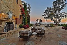 Beautiful Luxury Eclectic Patio Design Ideas and Photos - Zillow Digs