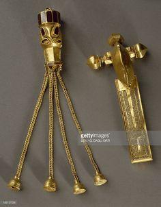Buckle and gold pendant from the treasury of Omharus, Apahida, Romania, century AD Romania, Gold Pendant, Jewellery, History, Beautiful, Jewels, Historia, Gold Pendants, Schmuck