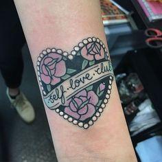 self love club heart tattoo with roses - girly tattoo idea Neue Tattoos, Body Art Tattoos, Small Tattoos, Sleeve Tattoos, Cool Tattoos, Tattoo Care, Get A Tattoo, Mum Tattoo, Piercing Tattoo