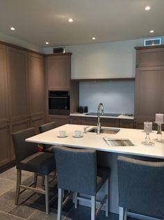 We hebben een nieuwe keuken in onze showroom in Kalmthout. Kom dat zien!