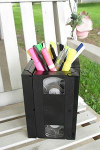 Upcycle those old VHS tapes into a pen holder! (Tutorial)