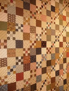 """""""Diagonal Squares"""" quilt by Marie-Paule and Anne-Hélène Nédélec... - photo from Tempus fugit blog  ...9 patch – 3 squares – repeat..."""
