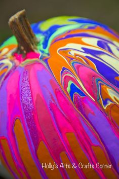"Holly's Arts and Crafts Corner: Craft Project: Our ""Pinterest"" Pumpkins...pour paint pumpkin"