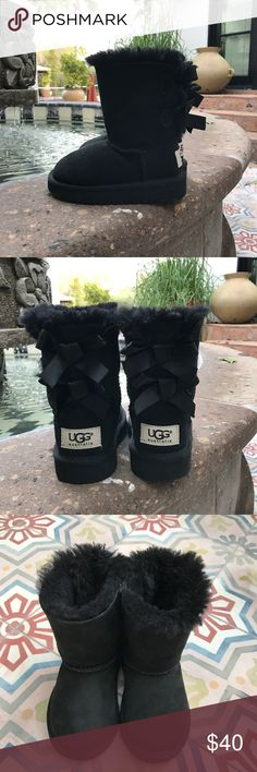 Toddler BLACK UGG BOOTS SIZE 7 Almost new condition. Barely worn. Size 7 toddler.  So cute. UGG Shoes Boots
