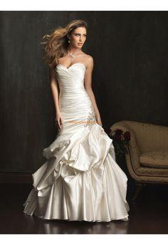 Robe de mariée sirène taffetas laçage col coeur