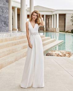 Wedding Trouser Suits, Wedding Pants, Civil Wedding Dresses, Bridal Dresses, Wedding Gowns, Bridal Reflections, Wedding Dress Pictures, Dress Out, Unique Dresses