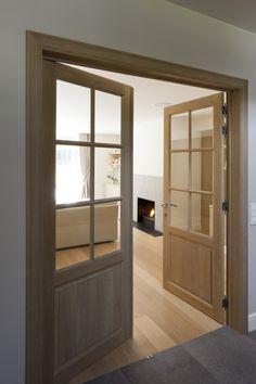 Klassieke villa in Waver Inside Doors, Entry Hallway, Interior Decorating, Interior Design, New Home Designs, Pent House, Wooden Doors, Windows And Doors, Living Room Designs