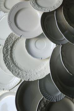 ♅ Dove Gray Home Decor ♅ grey & white dishes - Alicia Buszczak Fresh Farmhouse, Farmhouse Chic, Farmhouse Design, White Dishes, White Plates, Grey Home Decor, Grey Houses, Ivy House, Elegant Homes