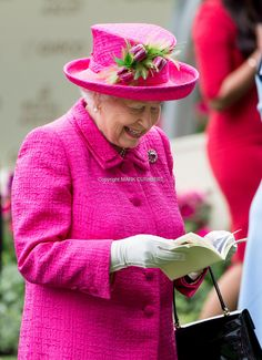 Queen Elizabeth II attends day 3 'Ladies Day' of Royal Ascot 2017 at Ascot Racecourse on June 22, 2017 in Ascot, England.