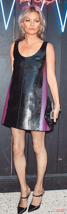 Kate Moss身穿PRADA早春女裝出席MIUMIU Club。