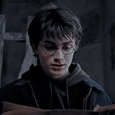 Daniel Radcliffe Harry Potter, Harry James Potter, Arte Do Harry Potter, Harry Potter Icons, Harry Potter Pictures, Harry Potter Cast, Harry Potter Universal, Harry Potter Characters, Draco Malfoy