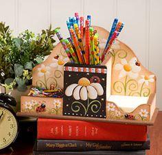 Linda♥  pintura de margarida...se preferir uma linda flor de camomila... excelente para pintura de caixa pra chás.♥