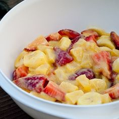 1 pkg vanilla instant pudding  1 can pineapple  1 lb. strawberries  1 cup blueberries  3 bananas, sliced  In a bowl, combine the pudding mix and canned pineapple with the juice. Stir until well blended and all the pudding mixture has dissolved. Fold in the rest. via
