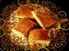 Das perfekte Gedeckter Apfelkuchen vom Blech mit Eischnee und saurer Sahne-Rezept mit einfacher Schritt-für-Schritt-Anleitung: Zur Vorbereitung die Äpfel…