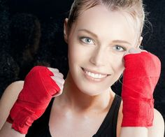 Be a boxer Girl ;) Have fun switching your body with ‎PhotoFacer‬! Try this funny app in your ‪Android‬, iOS or Windows device.