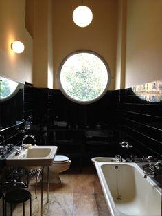 Villa Necchi Campiglio, Milan #interiordesign #architecture #artdeco #bathrooms