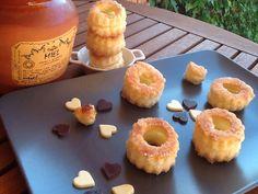 Hojaldres con miel y azúcar. Ver receta paso a paso http://www.mis-recetas.org/recetas/show/46062-hojaldres-con-miel-y-azucar