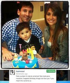 Lionel Messi and Antonella Roccuzzo with their son Thiago. Messi And His Wife, Messi Son, Lionel Messi Family, Ronaldo Pictures, Messi Pictures, Messi Photos, Antonella Roccuzzo, Fc Barcelona, Messi Y Antonella