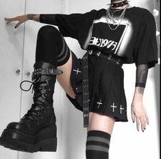 Top Girl Outfit and streetwear Grunge Outfits, Punk Outfits, Cute Casual Outfits, Retro Outfits, Gothic Outfits, Skirt Outfits, Egirl Fashion, Grunge Fashion, Fashion Outfits