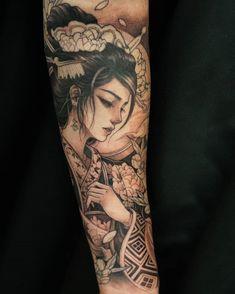 Geisha Tattoos, Geisha Tattoo Sleeve, Geisha Tattoo Design, Japanese Sleeve Tattoos, Female Tattoo Sleeve, Tatuajes Irezumi, Irezumi Tattoos, Forearm Tattoos, Body Art Tattoos
