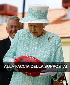 Alla faccia della supposta! #regina #elisabetta #meme #ridere #umorismo #ironia