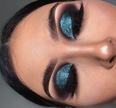 Teal Eyeshadow, Cut Crease Eyeshadow, Cut Crease Makeup, Eye Brows, Dark Smokey Eye Makeup, Pink Smokey Eye, Turquoise Eye Makeup, Eye Makeup Tips, Makeup Ideas