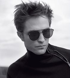 Robert Pattinson for Dior Homme Spring 2018 Campaign Robert Pattinson Twilight, Robert Pattinson Dior, King Robert, Robert Douglas, Twilight Edward, Twilight Saga, Jamie Campbell Bower, Perfect Man, Beautiful Boys