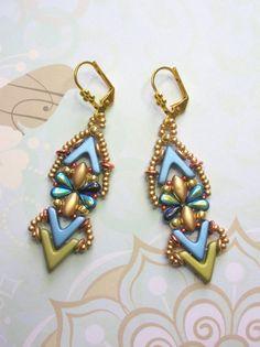Beading Kit and Tutorial - Nautilus Earrings - Ava, Irisduo, Dropduo, O beads & seed beads O Beads, Beads And Wire, Crystal Beads, Seed Beads, Pearl Stud Earrings, Pearl Studs, Bead Earrings, Bead Kits, Unique Earrings