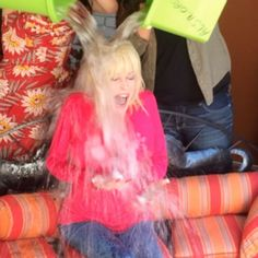 Getting cold water dumped on her head wasn't on Dolly Parton's bucket list, but after Kenny Rogers dared her to take the ALS Ice Bucket Challenge, she felt she had to do it. Dolly Parton Kenny Rogers, Country Women, Wet T Shirt, Dares, Challenges, Bucket, Felt, Ice, Woman