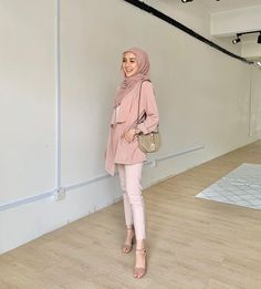 Casual Hijab Outfit, Muslim Women, Hijab Fashion, Ootd, Girls, Inspiration, Outfits, Vintage, Dresses