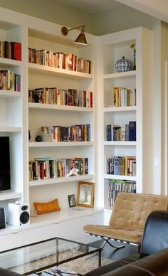 5 Reliable Tips: Floating Shelves Plants Dining Rooms wooden floating shelves corner.Floating Shelves Above Couch Hallways. Bookshelves In Bedroom, Living Room Shelves, Bookshelves Built In, Living Room Storage, Living Room Decor, Bookcases, Built Ins, Home Interior, Interior Design Living Room