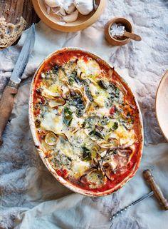 Tomaattinen palsternakka-juustopaistos | Kasvis | Soppa365 Mozzarella, Vegetable Pizza, Good Food, Food And Drink, Vegetables, Interesting Recipes, Vegetable Recipes, Veggie Food, Clean Eating Foods