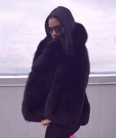 Black Fur Coat, Fox Fur Coat, Fur Coats, Fur Coat Fashion, Fur Jacket, Sexy Women, Elegant, Womens Fashion, Jackets