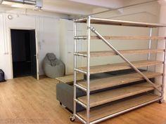 Steigerhouten kast met frame van steigerbuizen XL met wieltjes Bunk Beds, Xl, Storage, House, Furniture, Bergen, Attic, Design, Home Decor