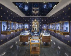 carbondale blends history + modernity for dolce   gabbana s venice palazzo  boutique 12961313dd