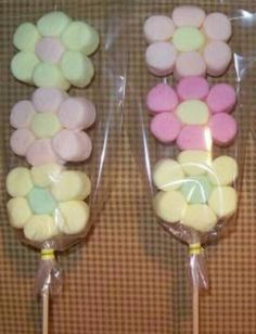 Flower marshmallow pops